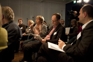 Am Mikrofon: Frau Dr. Christine Bergmann